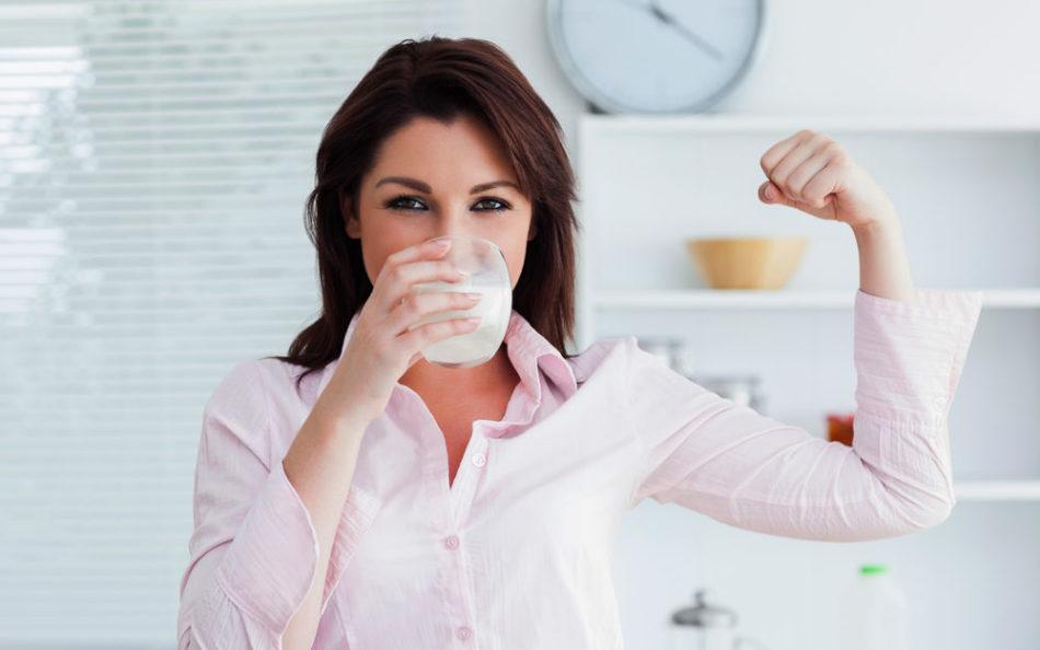 Список напитков которые полезно пить перед сном тем, кто хочет похудеть