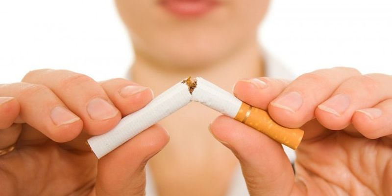 Специалисты назвали продукты, с помощью которых можно вывести никотин из организма