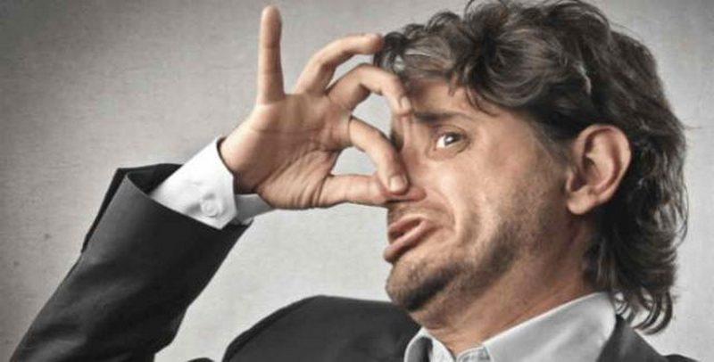 Какие болезни могут выдавать неприятный запах изо рта