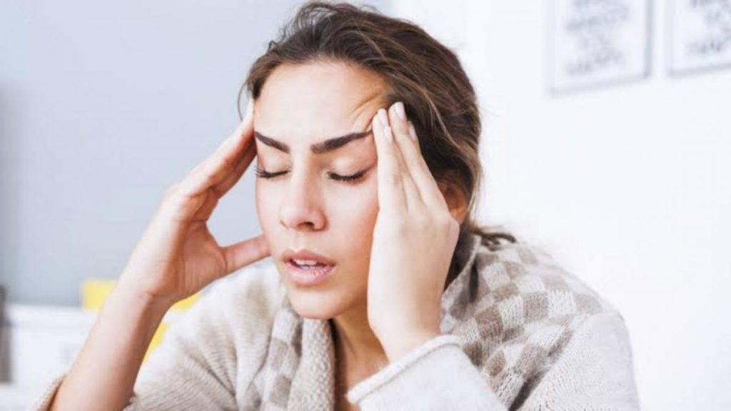 Медики рассказали, из-за чего может болеть голова