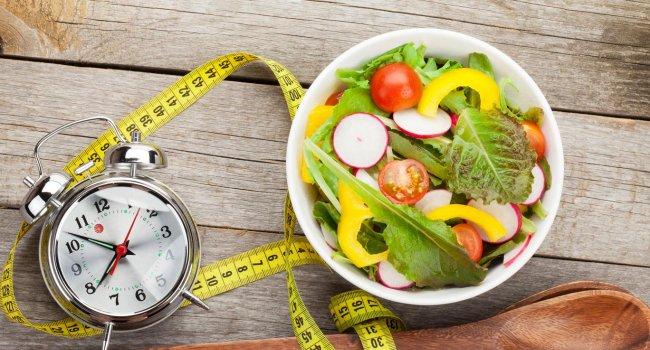 Медики выяснили, как поздний прием пищи влияет на здоровье