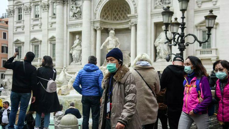 В Италии паника из-за коронавируса. Блокируют целые города