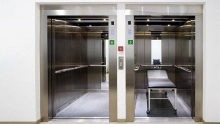 В лифте коломыйской больницы умер больной с подозрением на коронавирус