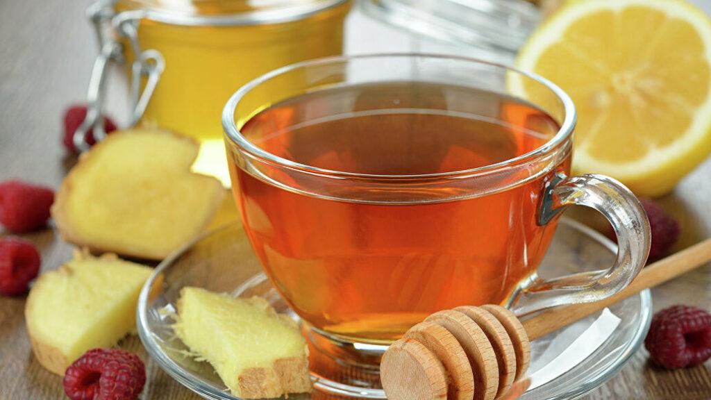 Медики объяснили, почему нельзя пить горячий чай при вирусных заболеваниях