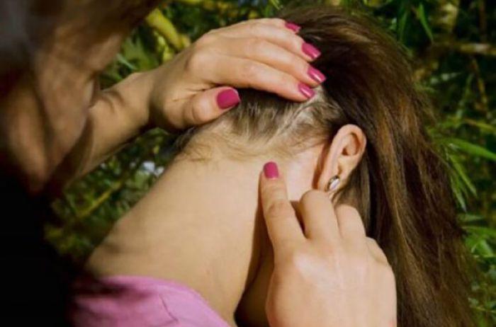 Просто осмотрите шею: как узнать, есть ли у вас бактерии, паразиты и рак