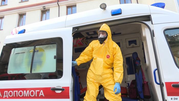 В Украине за минувшие сутки 393 новых случая Covid-19, 17 ранее заболевших умерли, 377 выздоровели