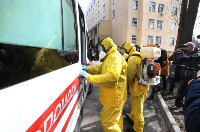 Рекордное число зараженных коронавирусом зафиксировали уже в двух областях Украины