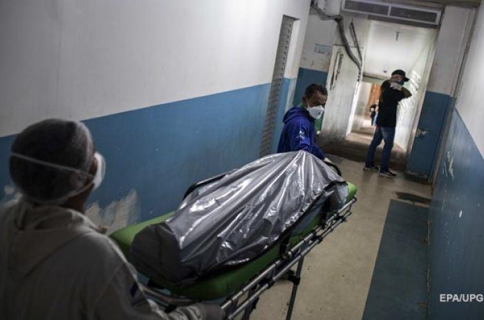 ЦОЗ Украины фиксирует резкий рост смертности в стране от коронавируса