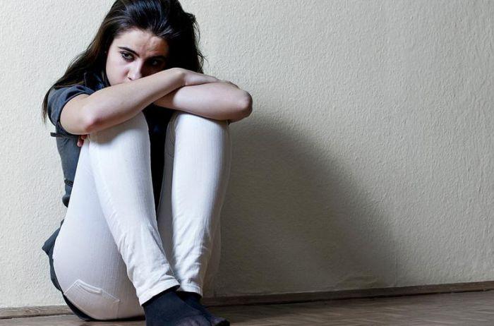 Названы болезни, которые может спровоцировать заниженная самооценка