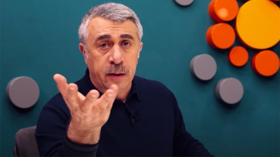 Доктор Комаровский рассказал, как хождение по песку влияет на здоровье