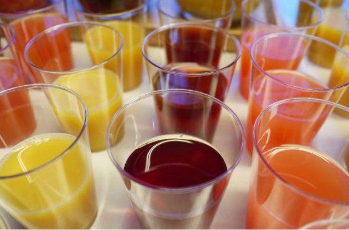 Врачи назвали самый полезный напиток в жару, который улучшает пищеварение