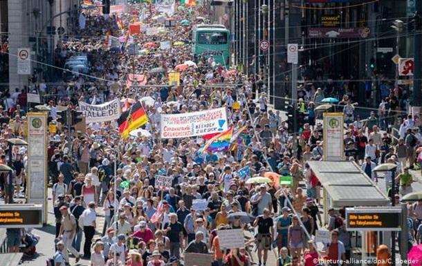 COVID-19: в Берлине массовые протесты из-за карантинных ограничений