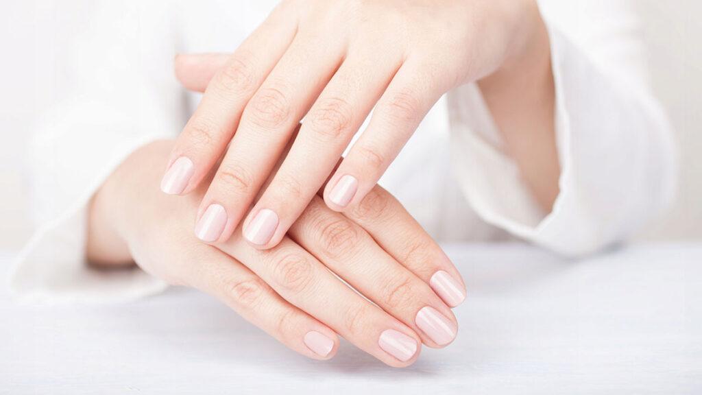Медики объяснили, какие болезни можно определить по ногтям