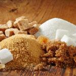 Диетологи объяснили, почему стоит заменить белый сахар коричневым