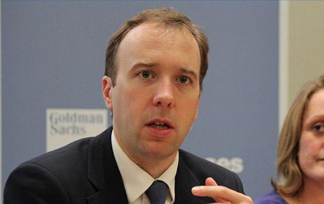 Глава МОЗ Британии заявил, что ситуация с новым типом COVID вышла из-под контроля