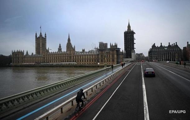 Правительство Великобритании планирует послаблять карантин
