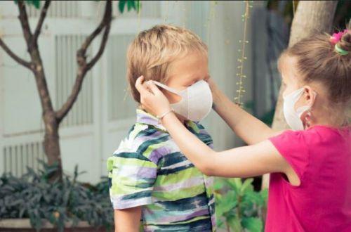 Нужны ли маски малышам: врач рассказала правила при пандемии COVID
