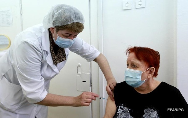 В Украине рекорд по COVID-вакцинации второй дозой
