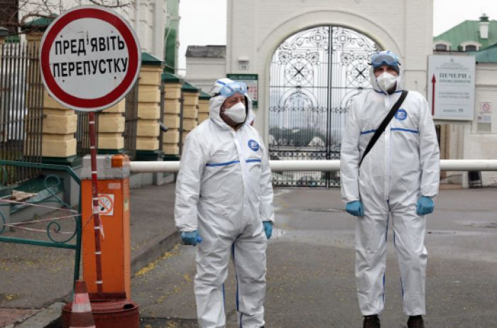 СНБО анонсировал усиление карантина в Украине