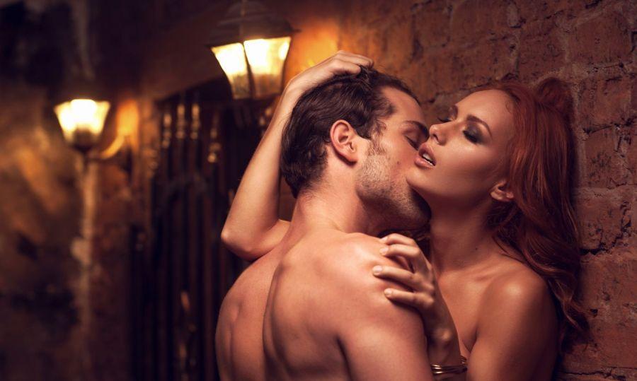 Комаровский рассказал, можно ли заразиться коронавирусом во время интима
