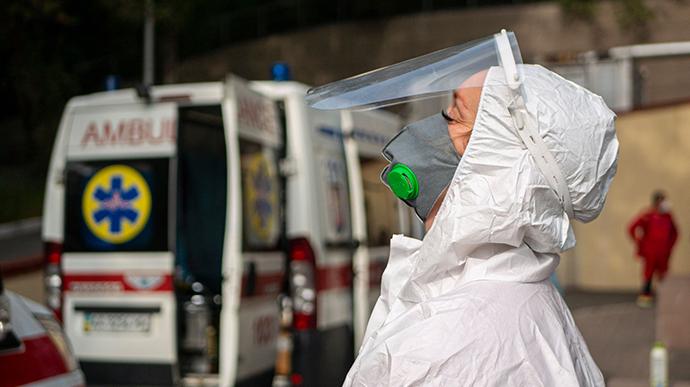 В Киеве женщина умерла после первой дозы вакцины от коронавируса