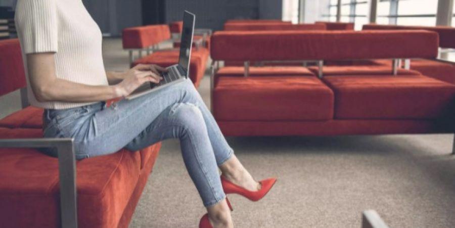 Почему скрещивать ноги сидя – не самая хорошая идея