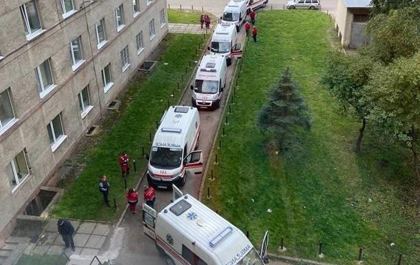 Во Львове переполнены COVID-больницы, готовятся новые меры карантина