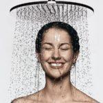 Ученные выяснили, почему принимать душ часто вредно
