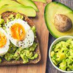 Чем перекусить перед сном: полезный список от диетолога