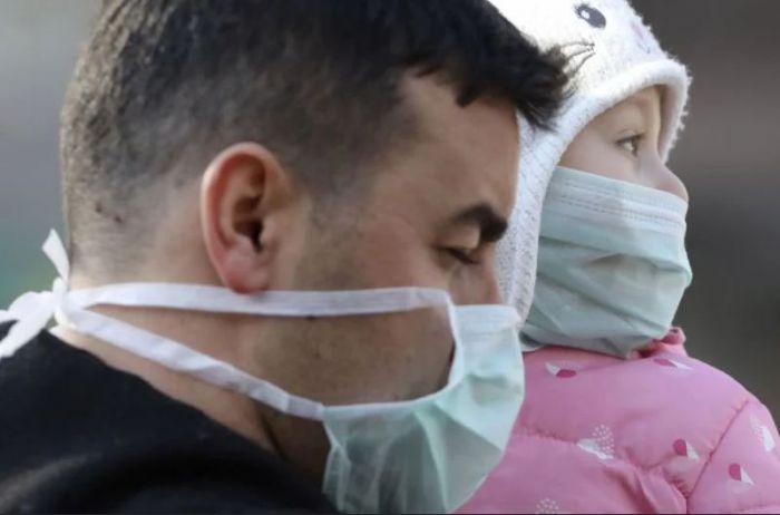 Надевать или нет: эксперт об эффективности маски для защиты от коронавируса