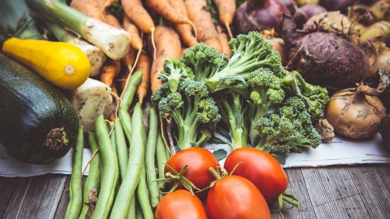 Названа ежедневная норма фруктов и овощей