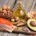 Почему так важно иметь в рационе жиры — ответ диетологов