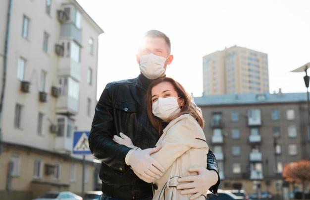 Женщины чаще жалуются на побочные эффекты COVID-вакцины, чем мужчины