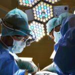 Потеряла 2л крови: в Днепре врачи спасли роженицу с COVID-19