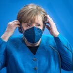 Канцлер Германии Меркель, заявила, что стране удалось остановить третью волну коронавируса