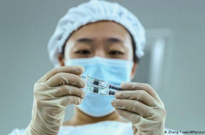 Медики сравнили эффективность вакцин Pfizer и Sinovac