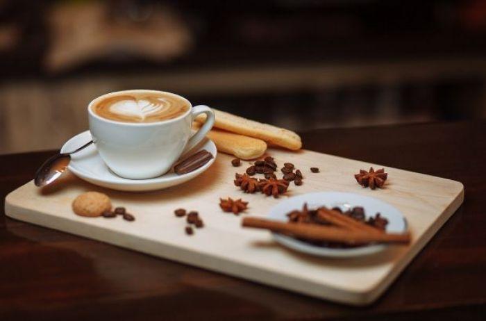 Ученый рассказал, что чашка кофе по утрам делает с организмом